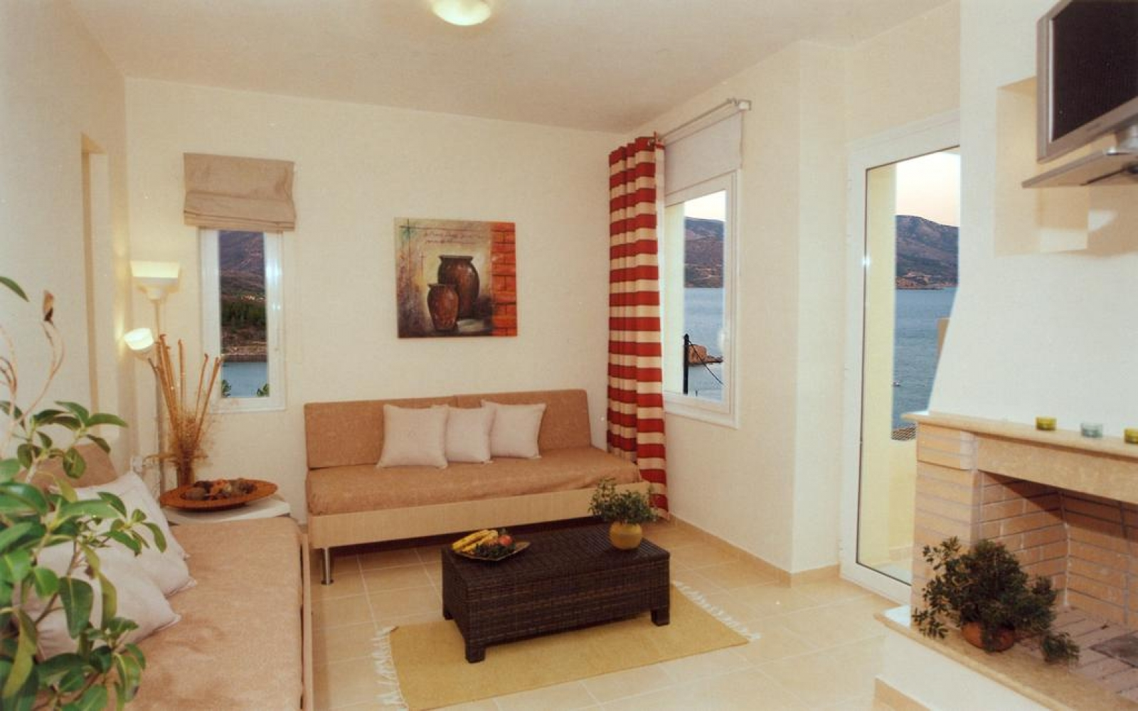 Deluxe One-Bedroom Apartment with Sea View (2 Adults & 1 child)